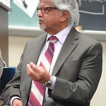 Arun Gandhi speaks to Hatboro-Horsham High School students
